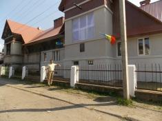 Singurul liceu românesc din Ucraina funcționează doar în jumătate de clădire