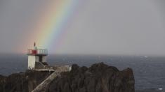Mare, valuri, munţi, port - într-un cuvânt Madeira