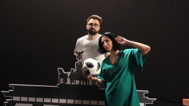 Ionut Cristache si Emma Zeicescu filmare ID CM fotbal