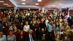 """La Cluj, studenții de la """"Babeş-Bolyai"""" l-au așteptat pe Virgil Ianțu cu întrebări"""
