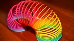 Teleenciclopedia: Jocul cu arcul curcubeu