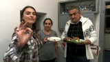 Ouă murate de prepeliță și friptură de prepeliță la tavă cu vin