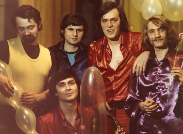 (w640) FFN 1975