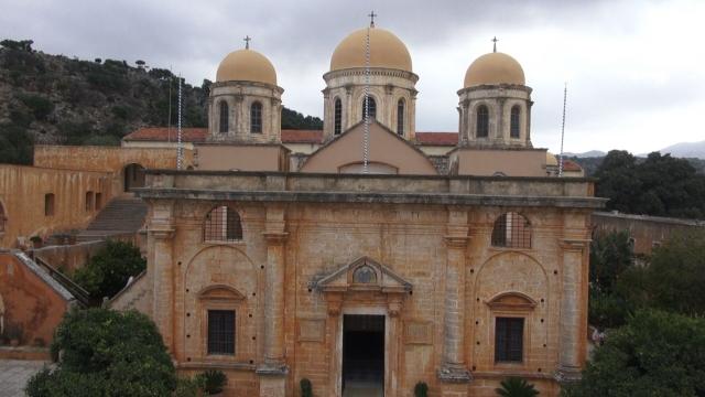 (w640) Manastirea