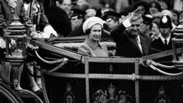 Ceausescu si Regina Elisabeta
