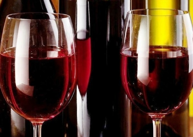 (w640) Vin rosu