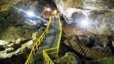 Teleenciclopedia: Peștera Ialomicioarei, cel mai vizitat loc din Bucegi