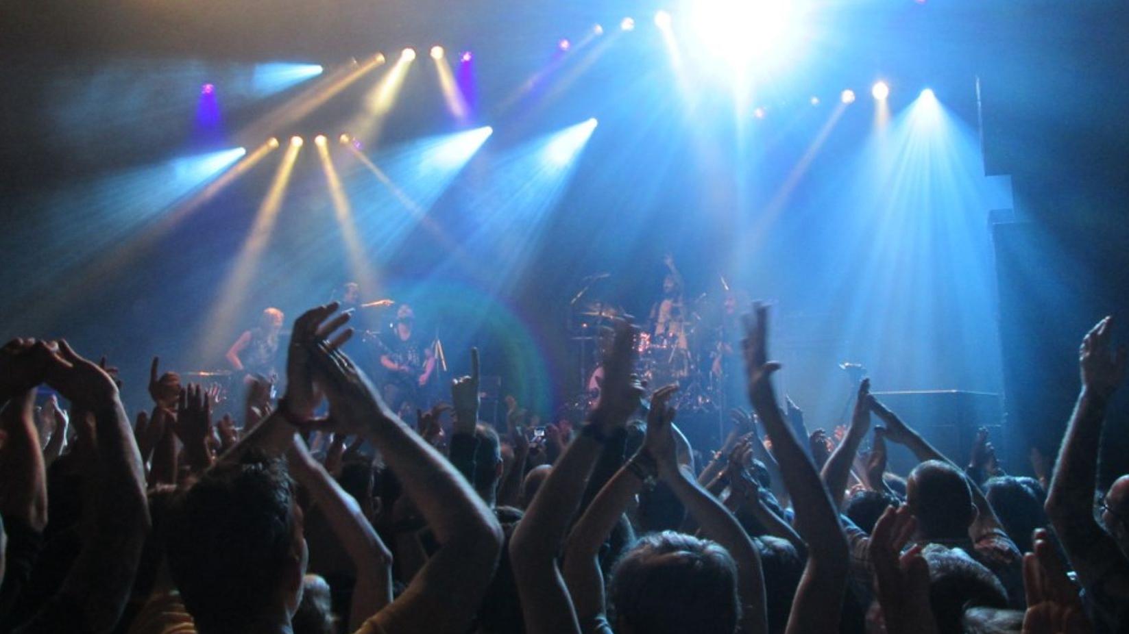 """Festivalul Internaţional """"Cerbul de Aur"""", mai aproape de fani"""