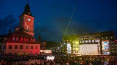 Artişti din zece țări vor concura pe scena Festivalului Cerbul de Aur