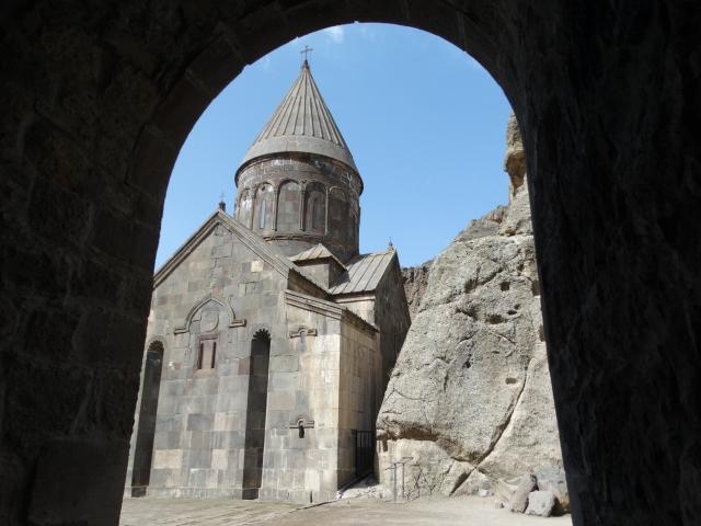 (w640) Mănăstir