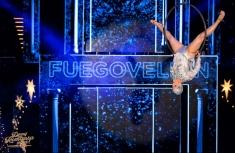 La Fuegovelion, acrobaţii spectaculoase cu Sanda Ladoşi