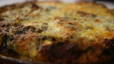 Rețeta lu' Dinescu: tort parfumat cu legume | VIDEO