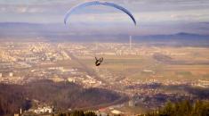"""Experienţă memorabilă la """"Down the Road. Aventura"""": zborul cu parapanta   VIDEO"""