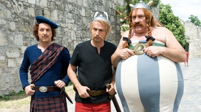 Asterix şi Obelix: în slujba Majestăţii Sale
