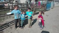 La un pas de comunitățile istorice din jurul României | VIDEO