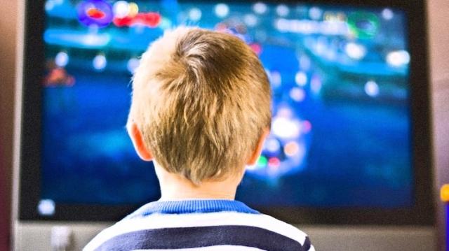 Copii - televizor - ecrane