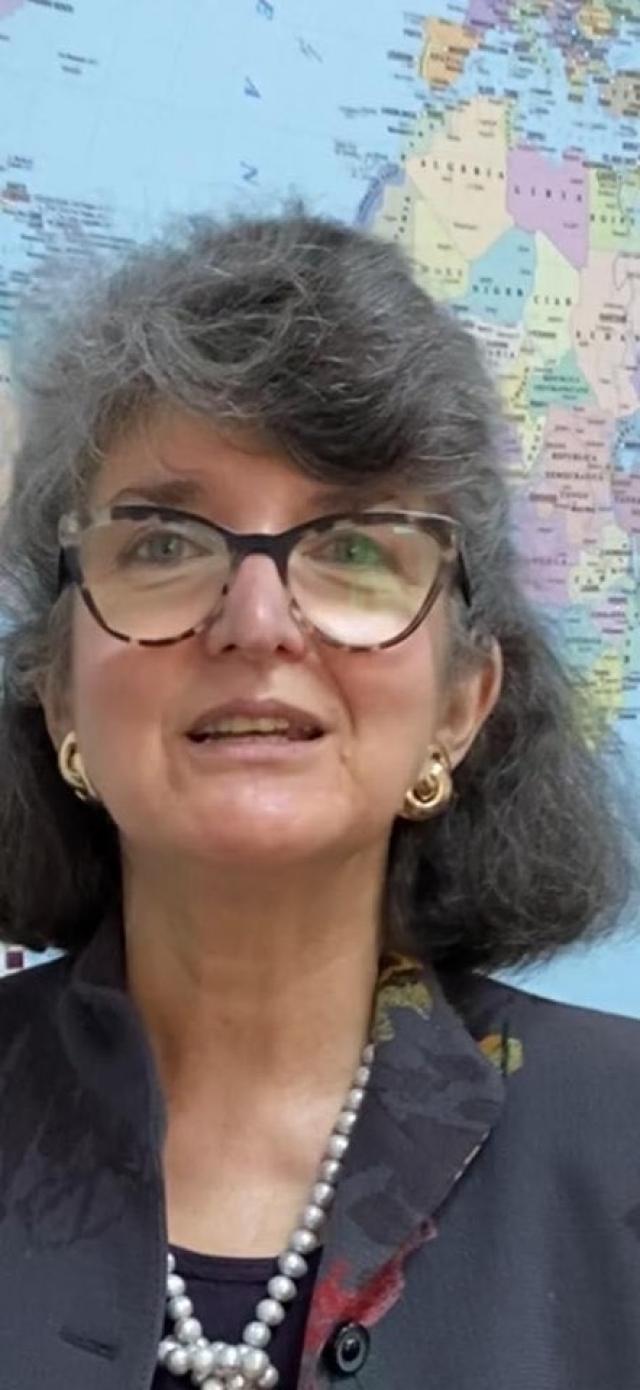 (w640) Sandra Pra