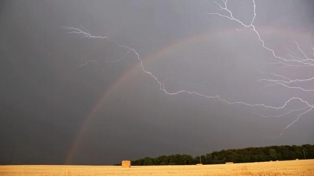 Ploaie - canicula - furtuna - curcubeu