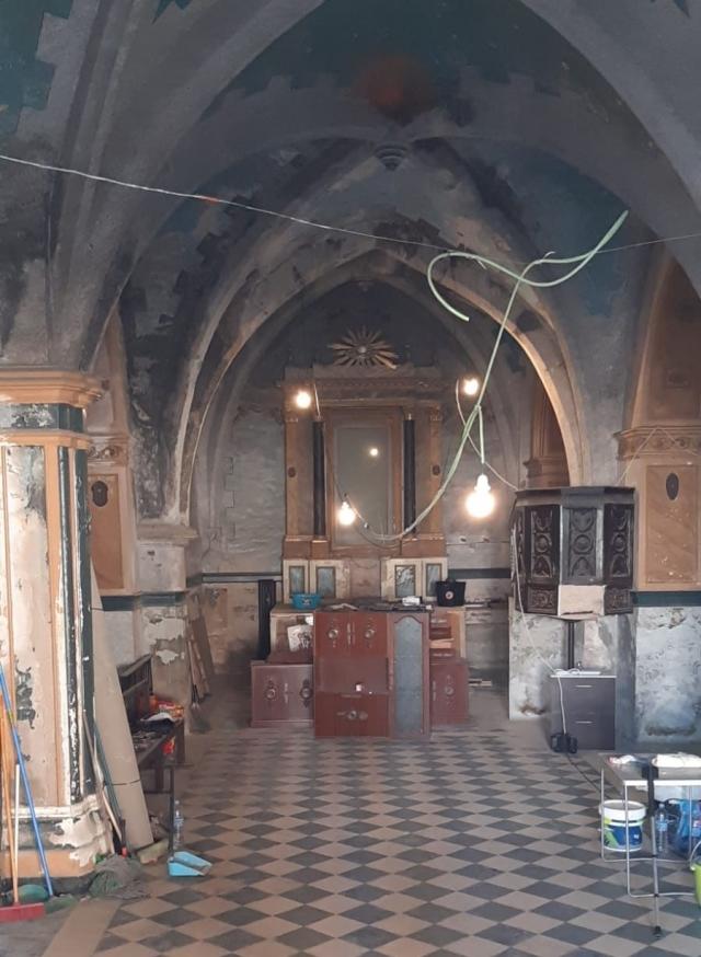 (w640) Biserica r
