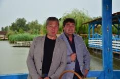 Frați de viță în vizită la cea mai mare cramă gravitațională din Europa
