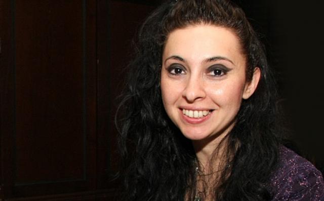 (w640) Ramona Hor