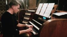 """ARTA LUMII"" cu organistul Daniel Ciobanu"