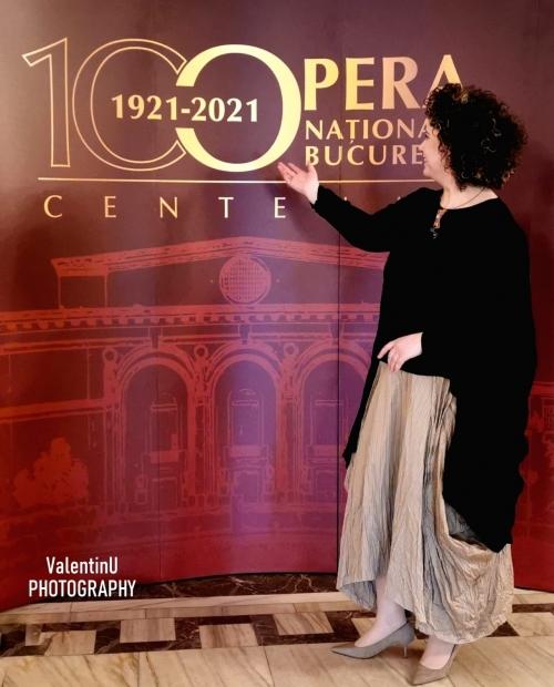 (w500) Opera 100