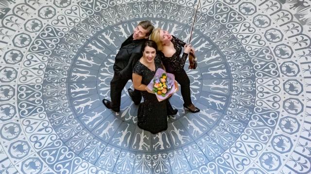 3 muzicieni A doua Romanie