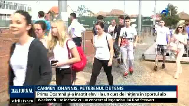 carmen-iohannis-pe-terenul-de-tenis-prima-doamna-i